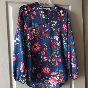 Flowered blousy LOFT shirt